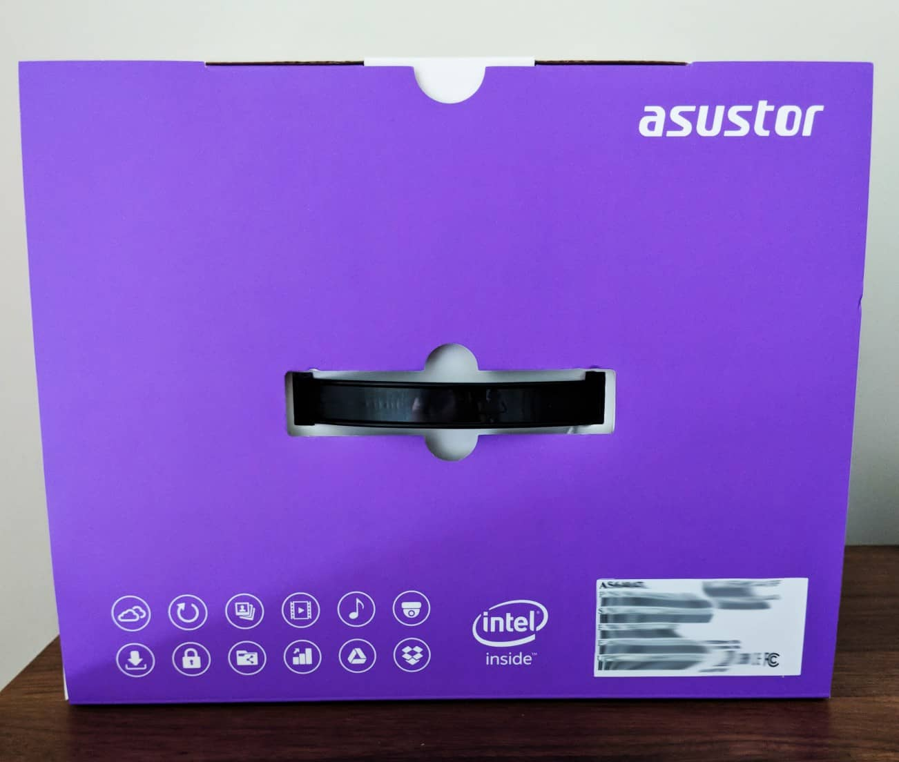 Asustor-NAS-Photos05 ASUSTOR AS6404T 4-BAY NAS Review