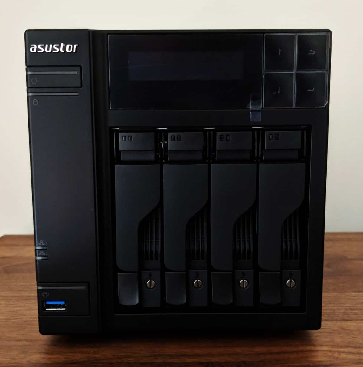 Asustor-NAS-Photos07 ASUSTOR AS6404T 4-BAY NAS Review
