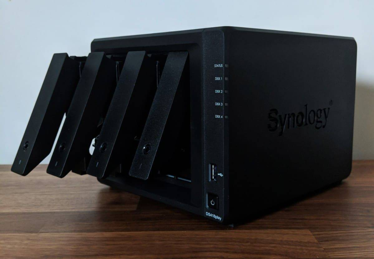 Synology-DS418play-Photos-04 Synology DS418play Review