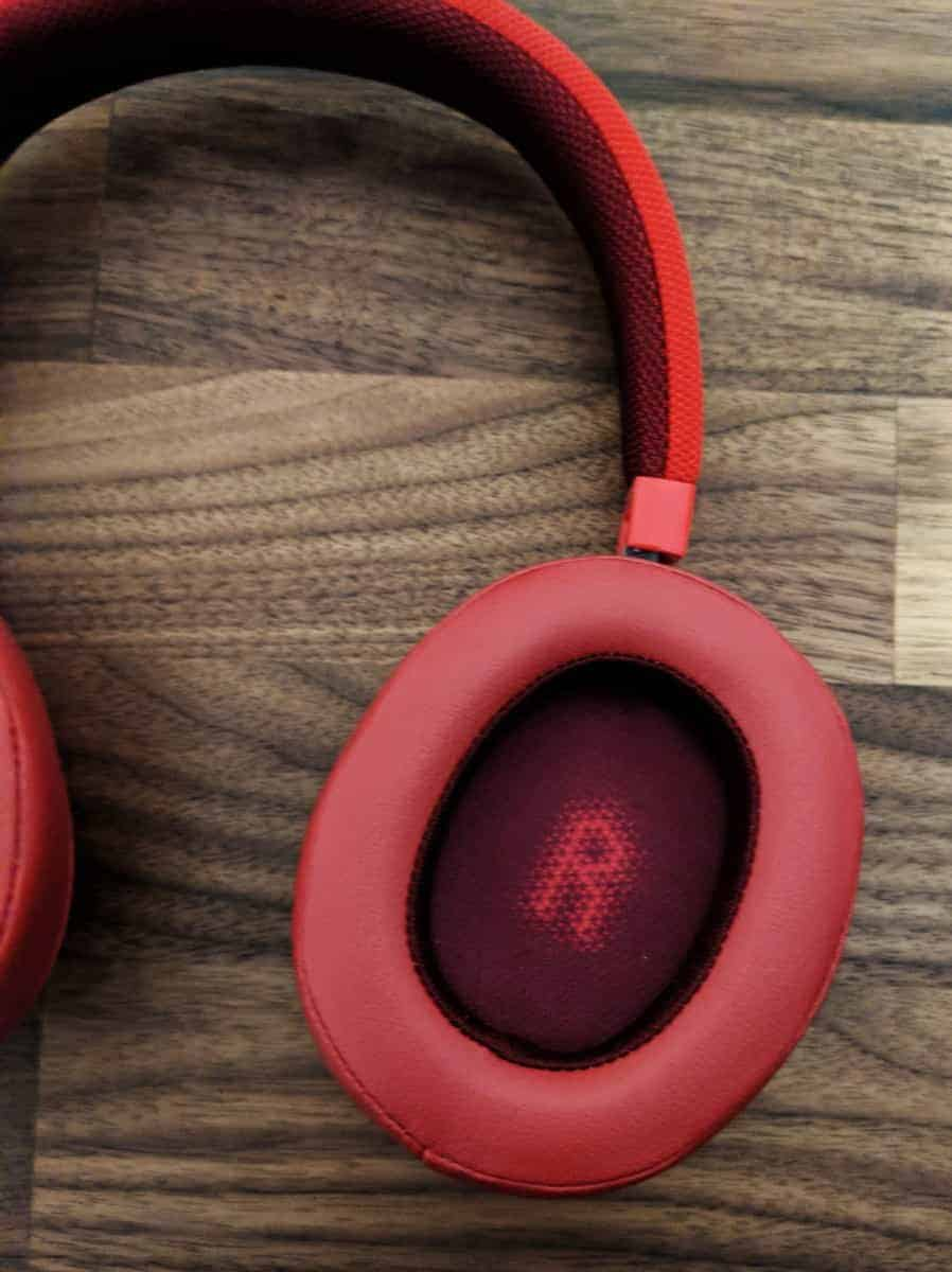 JBL-E55BTi-Photos-02 JBL E55BT Wireless Headphones Review