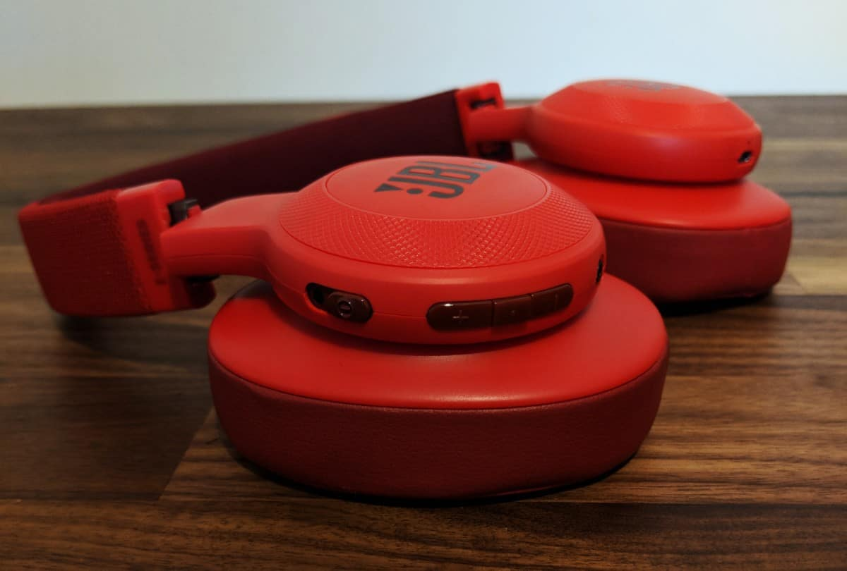 JBL-E55BTi-Photos-05 JBL E55BT Wireless Headphones Review