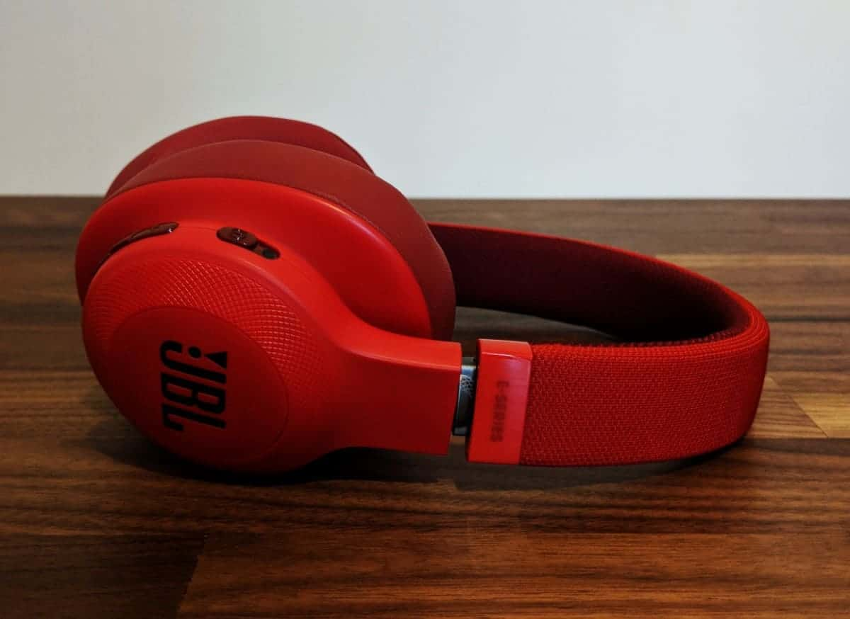 JBL-E55BTi-Photos-16 JBL E55BT Wireless Headphones Review
