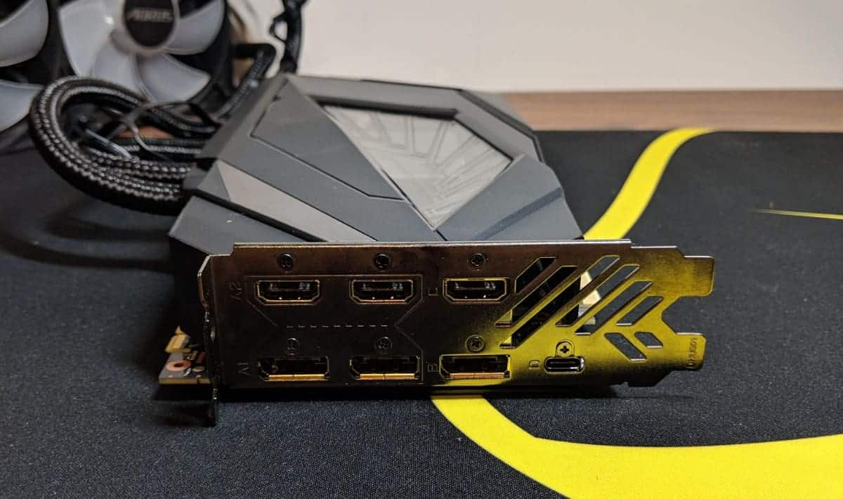 Gigabyte-2080-Xtreme-Waterforce-Photos-04 Gigabyte AORUS RTX 2080 Xtreme Waterforce Review
