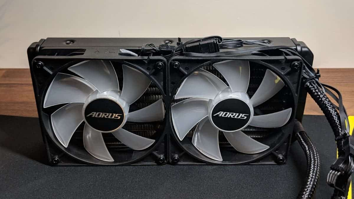Gigabyte-2080-Xtreme-Waterforce-Photos-11 Gigabyte AORUS RTX 2080 Xtreme Waterforce Review