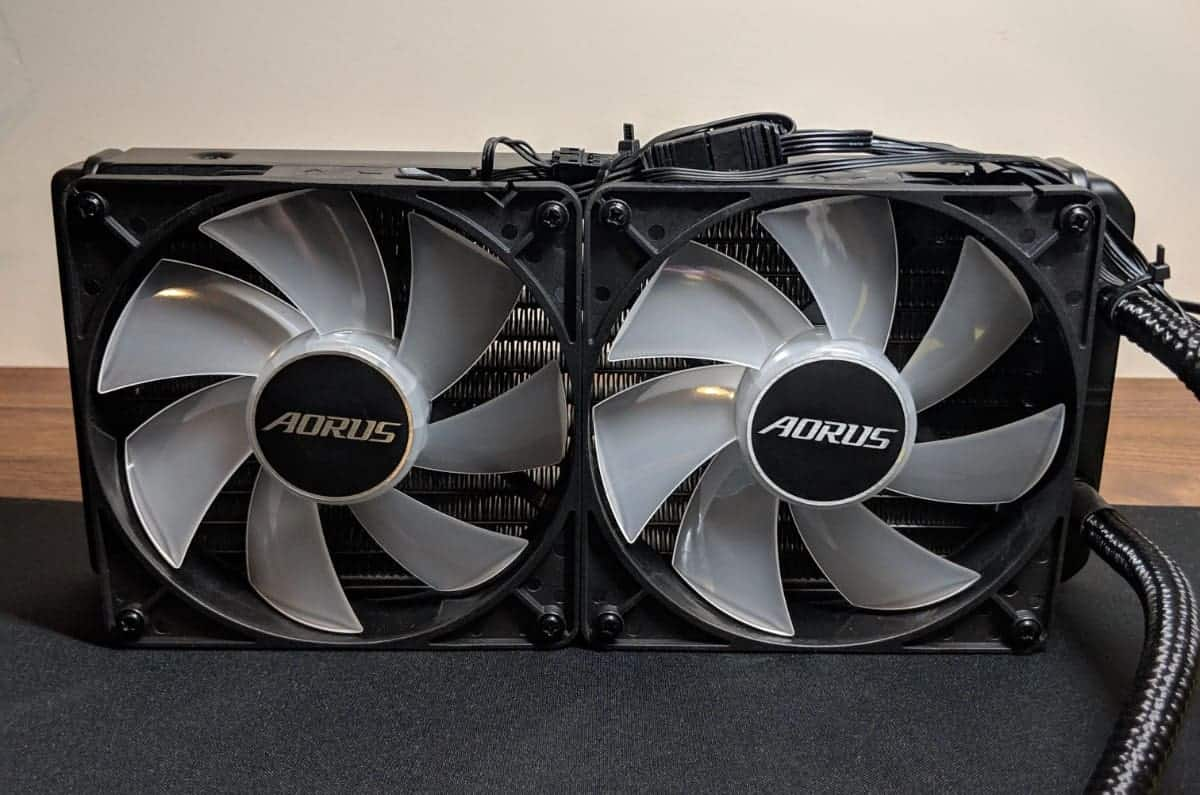Gigabyte-2080-Xtreme-Waterforce-Photos-12 Gigabyte AORUS RTX 2080 Xtreme Waterforce Review