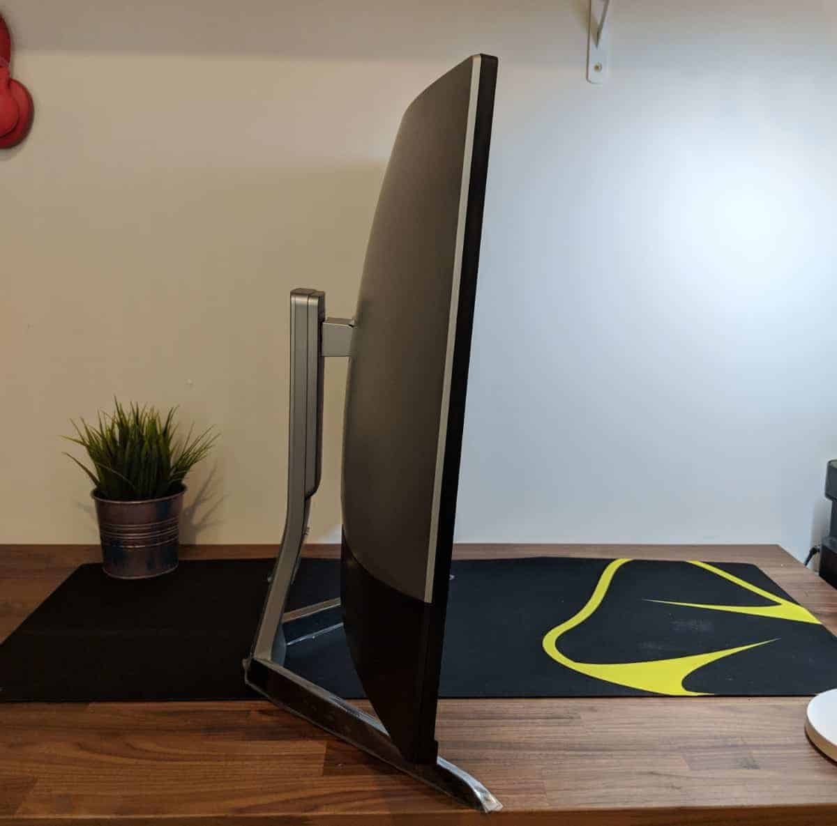 BenQ-EX3203R-Photos-05 BenQ EX3203R Curved Gaming Monitor Review
